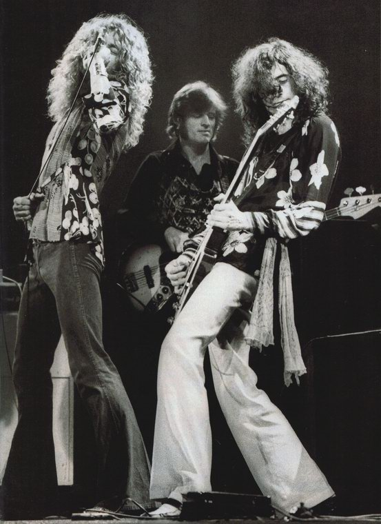 led-zeppelin-robert-plant-jimmy-big.jpg