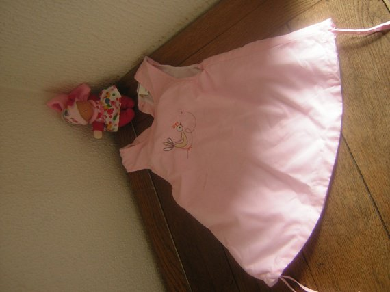 robe rose chemisier col claudine blanc pas sur photo