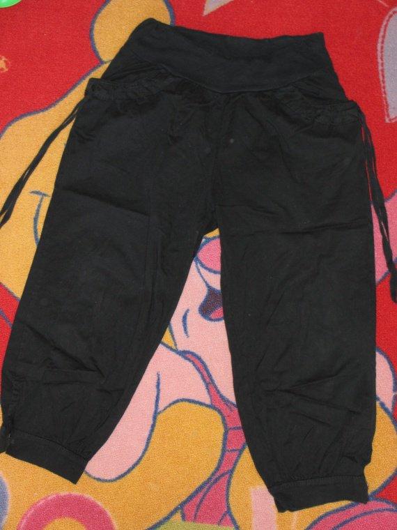 Sarouel noir (le meme que le gris) taille M 4,50€