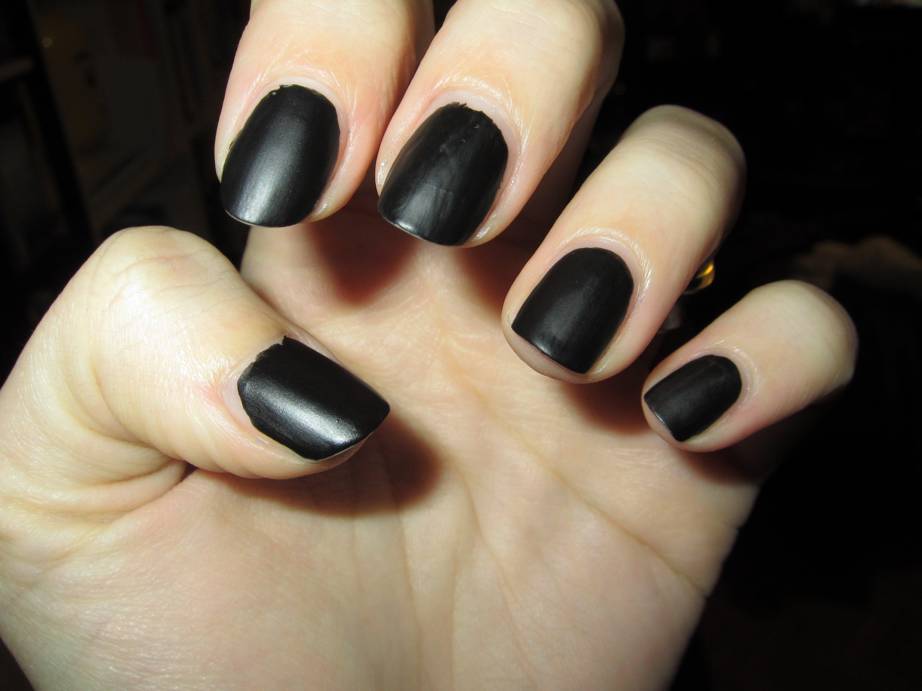 Sephora noir mat vernis ongles ananokia photos club doctissimo - Vernis a ongle noir ...