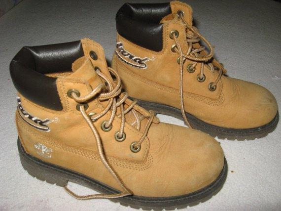 Chaussures TIMBERLAND très bon état pointure 31,5 Mixte - 45 euros