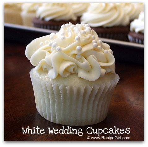 white-wedding-cupcakes