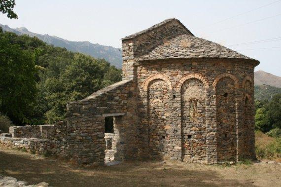 Fouilles archéologiques dans la campagne