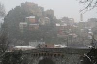 Vieille ville sous la neige