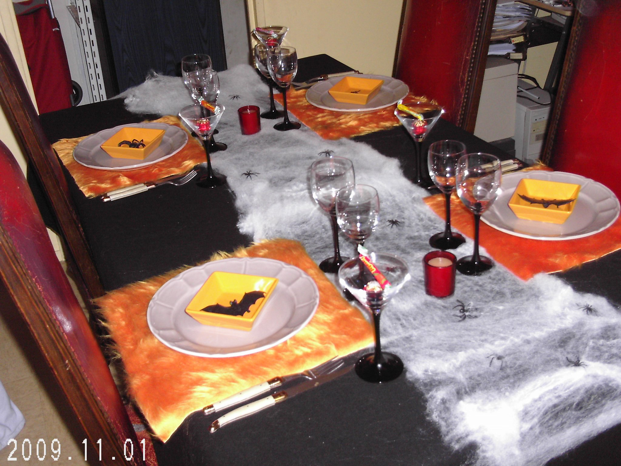 Table d 39 halloween 1 d co de table poucy37 photos for Decoration de table halloween