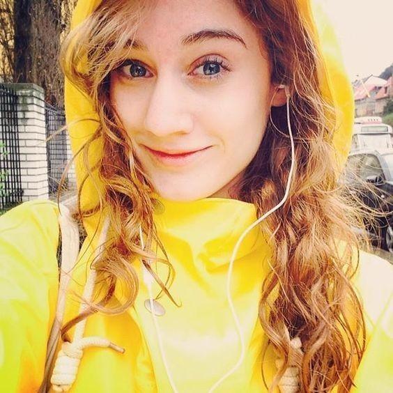 Yellow selfie