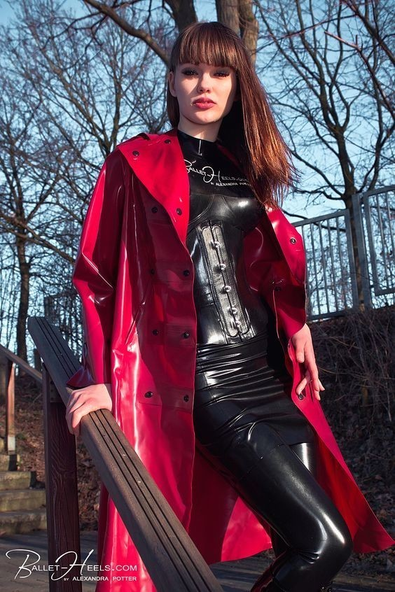 Latex Girl Rouge De Plaisir Vinyl64 Photos Club