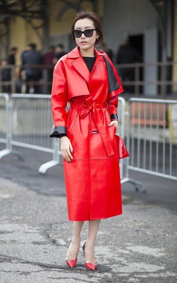 Mode urbaine en rouge.