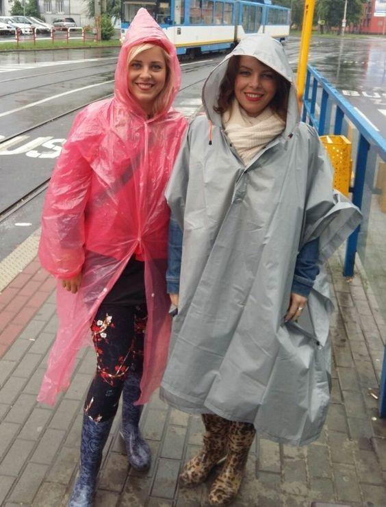 Colorées sous la pluie.