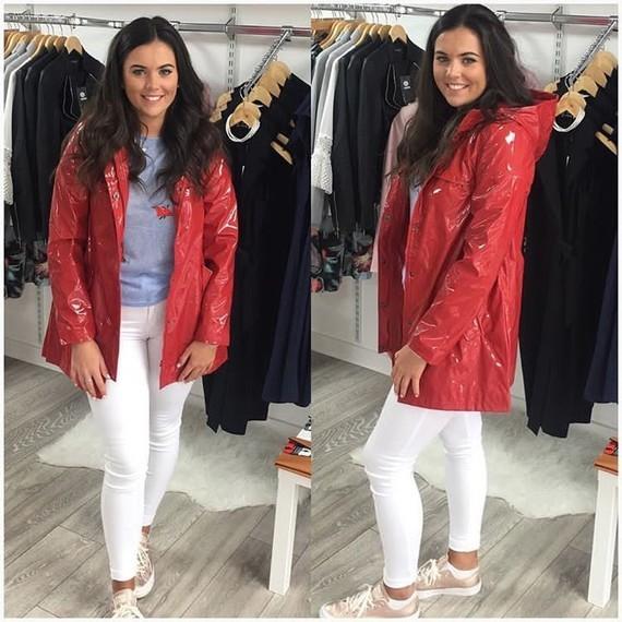 Love this raincoat !