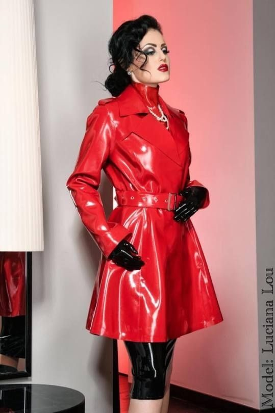 Trench latex.