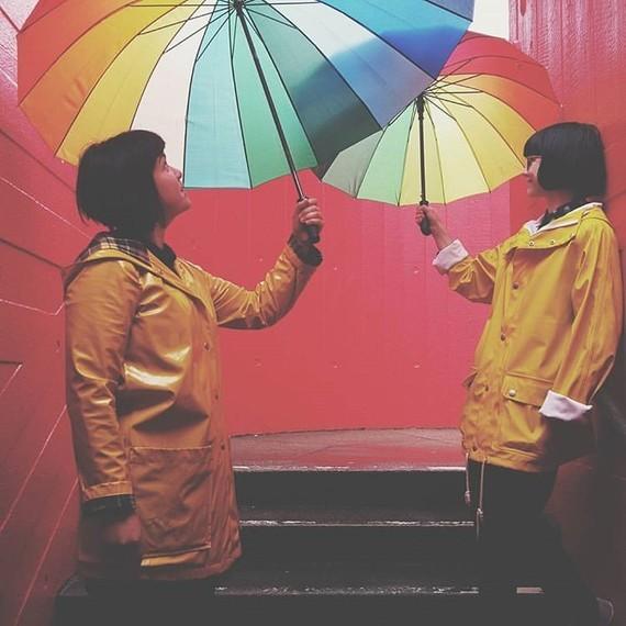 Parapluies à 2.