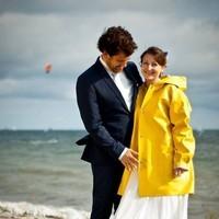 La mariée était en jaune.