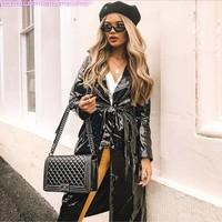 A porter avec un sac Chanel.