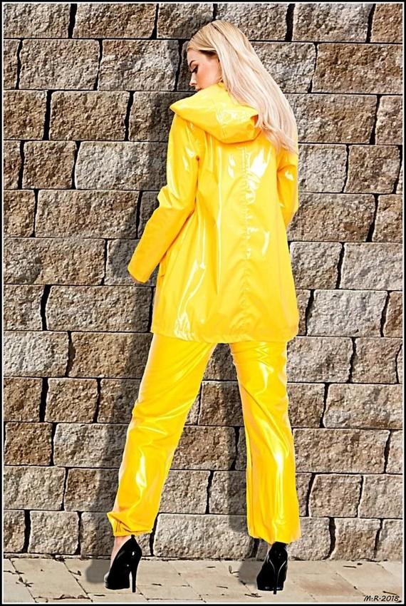 Ombre jaune.