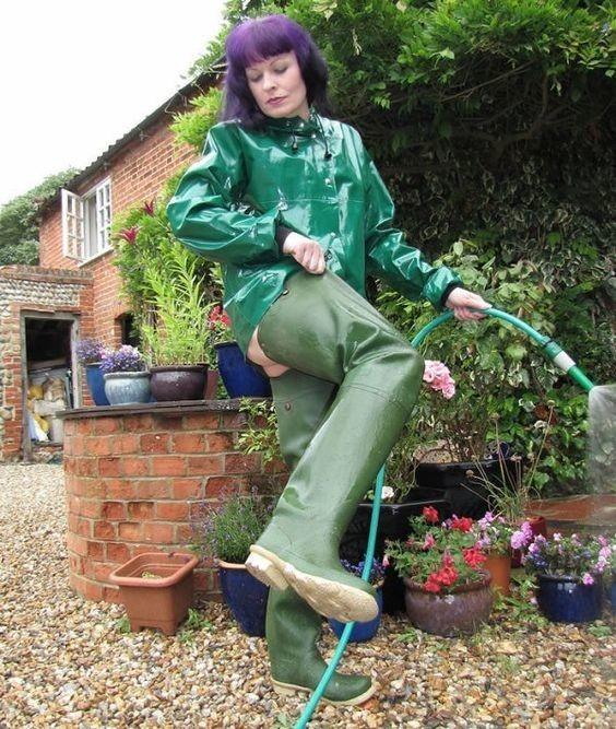 Helena jardinière.