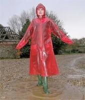 Helena sous la pluie.