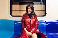 Voisine de métro.