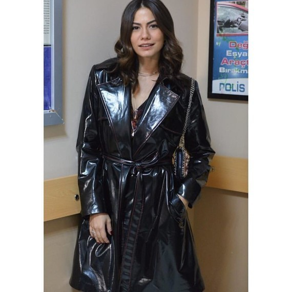 Demet Özdemir, actrice turque.