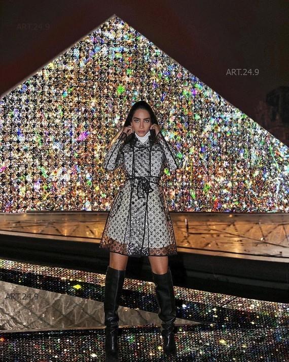 Vuitton au Louvre.