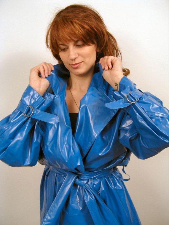 Trench Vinyl Bleu Blue Belles Girls Vinyl64 Photos