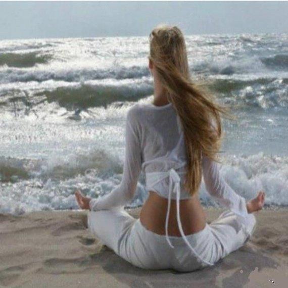 méditation face à la mer
