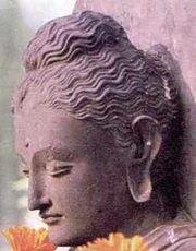 180px-Buddha_Kopf