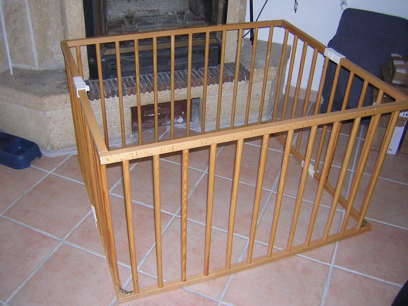 Parc bois combelle 25 euros les joux joux de bebe dolce 34 photos clu - Parc en bois hexagonal ...