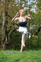 Jordan Carver's Yoga Class 17