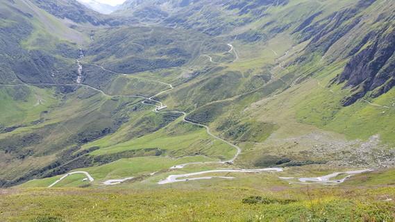 Route de l'Oberalp Pass