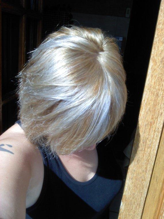 un beau blond cendr sans meches orang s coiffure et coloration forum beaut. Black Bedroom Furniture Sets. Home Design Ideas
