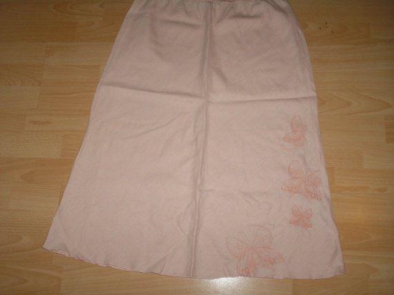 jupe rose pale broderie papillons la redoute T46 elastiquée
