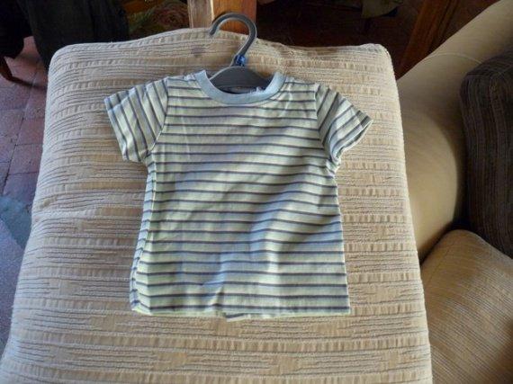 t-shirt 3 mois (la halle)