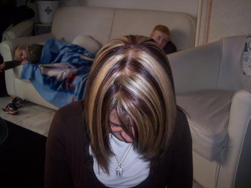 Couleur blonde brun coiffure cire1968 photos club - Meches blondes sur brune ...