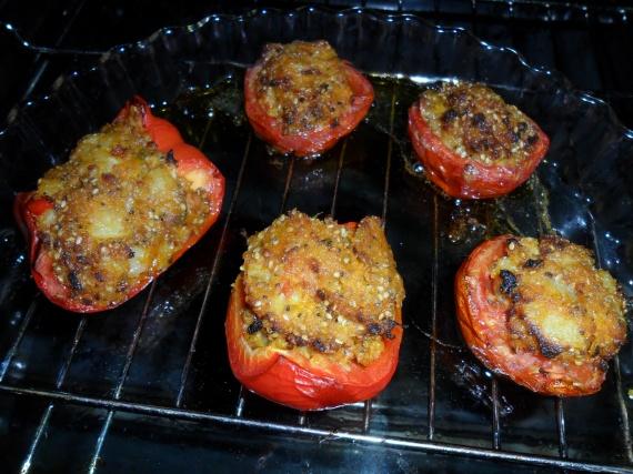 tomates et poivrons farcis légumes en purée