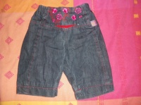 VENDS JEAN KENZO 3 MOIS MAIS TAILLE GRAND 15€