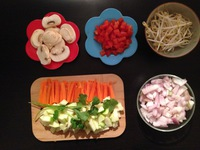 One pot pasta  / Ingrédients coupés / On mange quoi ce soir ?  ©