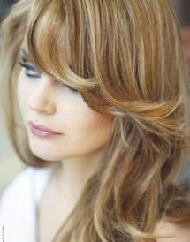 Les cheveux de couleur chatain clair