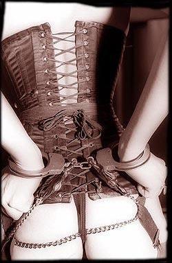 corset menotte