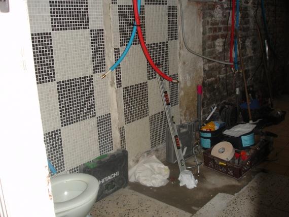 plomberie douche travaux sdb d but le 01 09 2010 et fin feerie59 photos club. Black Bedroom Furniture Sets. Home Design Ideas