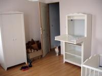 Table à langer et armoire