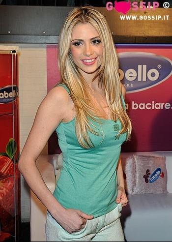 sorridente_martina_stella_cbc3