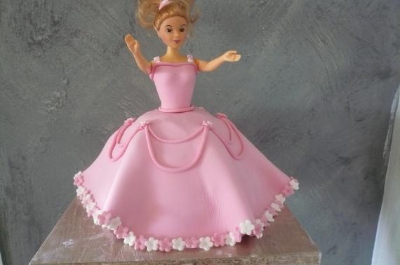 gateau princesse rose fourré nutella