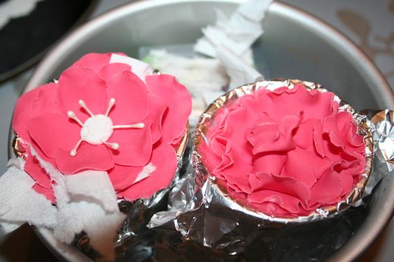 fleur en pate à sucre et gumpaste, maniedesagateaux