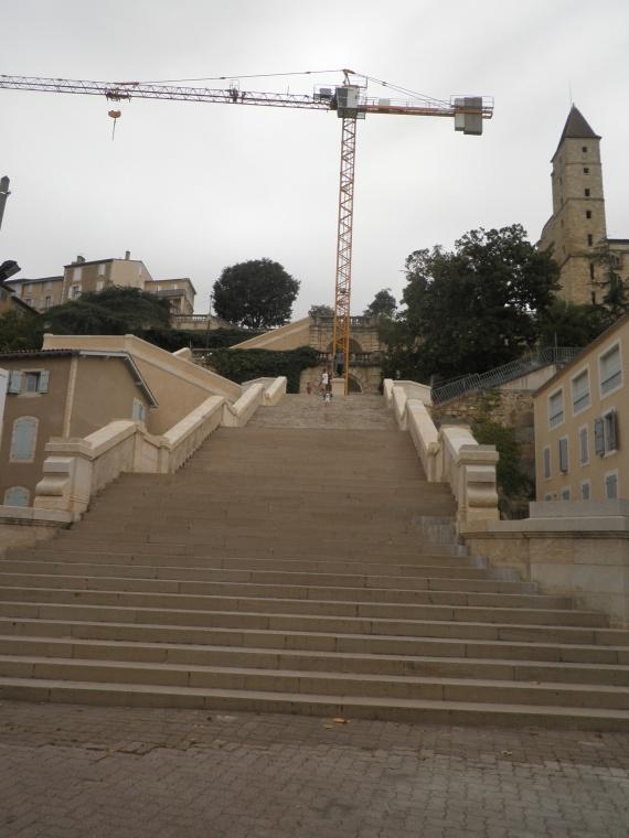 auch-escalier-monumental-renove-img