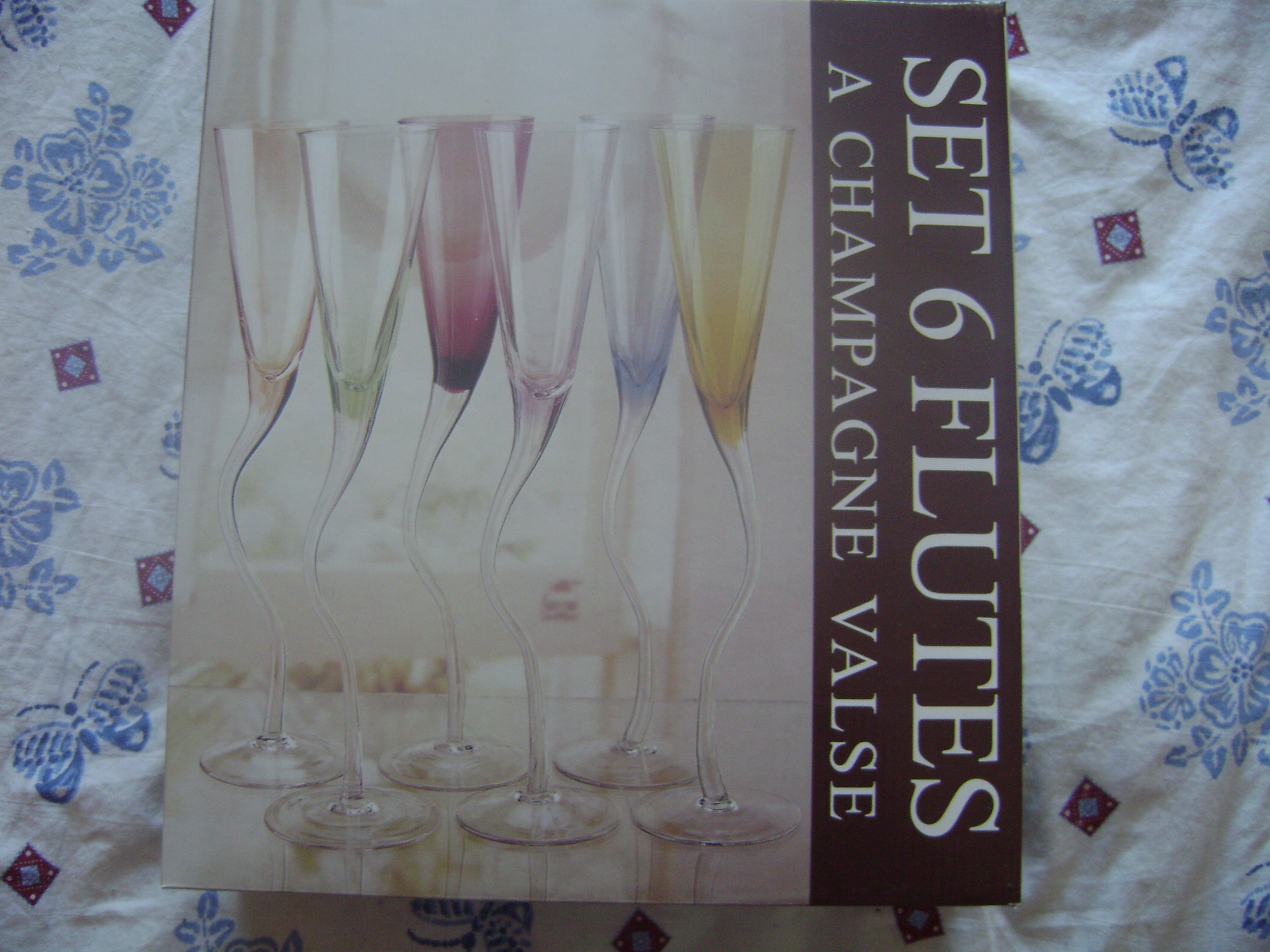 Fl tes champagne originales neuves 10 euros v tements et objets vendre vivie r photos - Flutes a champagne originales ...