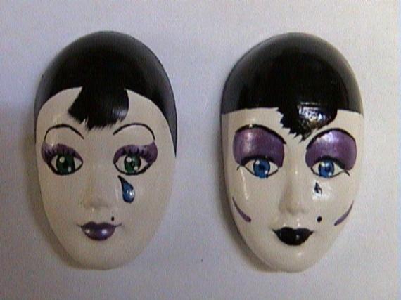 - Petites têtes de Pierrot