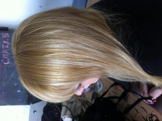 koleston 12 1 sur cheveux blond claire dor e avec m ches platine coiffure et coloration. Black Bedroom Furniture Sets. Home Design Ideas