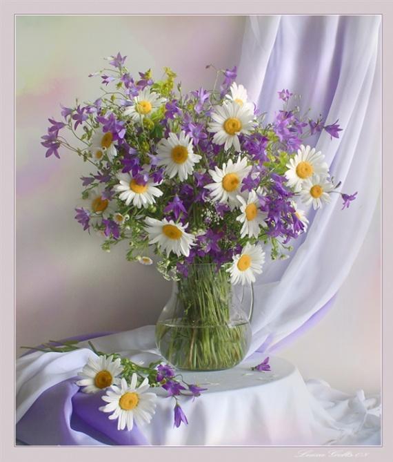 vase fleurs 4 vases et fleurs linda moni photos club doctissimo. Black Bedroom Furniture Sets. Home Design Ideas