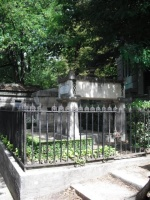 Tombes de Molière et La Fontaine.